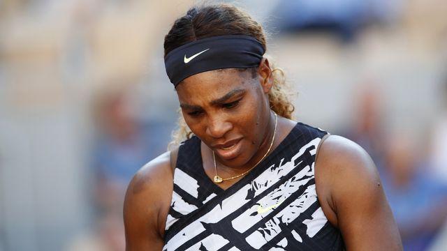 Serena Williams n'a pas trouvé la solution face à sa jeune adversaire. [Christophe Ena - Keystone]