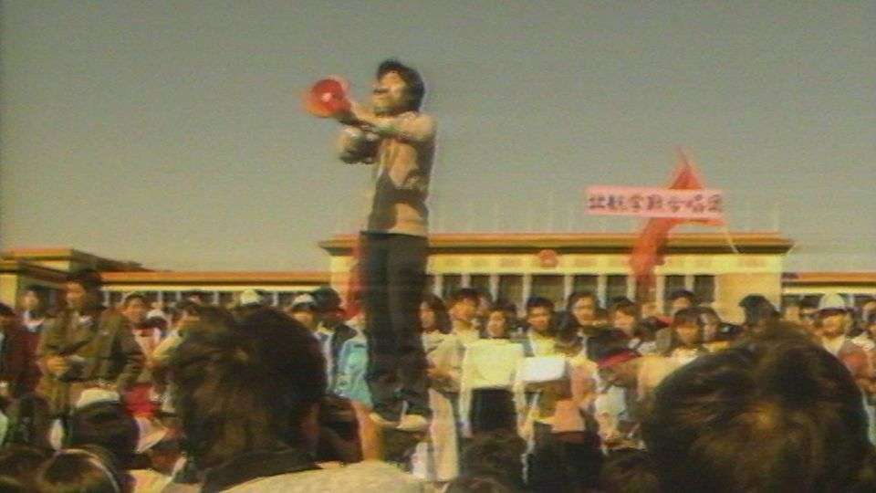 La visite de Gorbatchev est perturbée par les étudiants en mai 1989. [RTS]