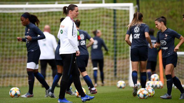 Les Bleues de Corinne Diacre se préparent à quelques heures du match d'ouverture du Mondial féminin contre la Corée du Sud (vendredi, 21h). [FRANCK FIFE  - AFP]