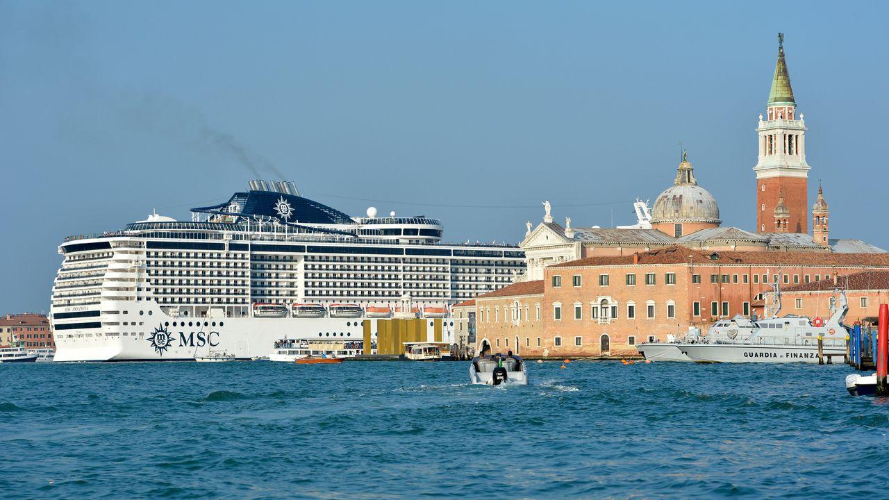 Les bateaux de croisière continuent à traverser Venise malgré une interdiction émise en... 2012. [Andres Solaro - AFP]
