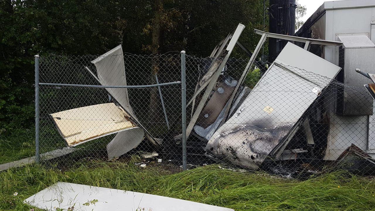 Une antenne téléphonique a été détruite par une explosion à Denens (VD). [Cyril Nussbaum - Vos infos]