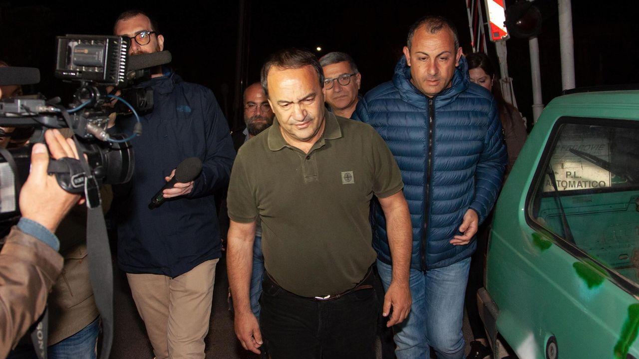 Domenico Lucano (centre), le 24 mai 2019, à Riace. [MARCO COSTANTINO - EPA]