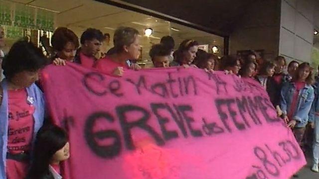 Grève des femmes à Fribourg en 1991. [RTS]