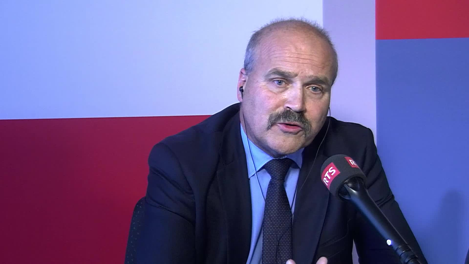 Le National maintient son contre-projet à l'initiative sur les multinationales responsables: interview de Philippe Bauer