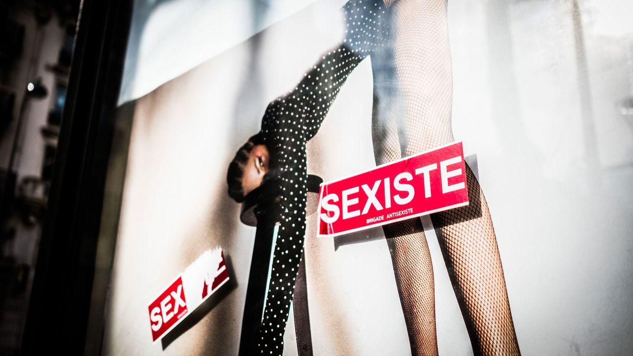 Affiche publicitaire dénoncée comme sexiste à Paris (image d'illustration). [Garo/Phanie - AFP]