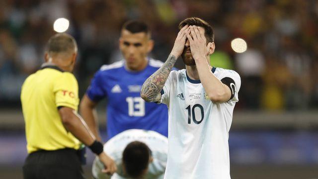 Lionel Messi et ses coéquipiers n'auront pas le droit à l'erreur dimanche. [Natacha Pisarenko - Keystone]