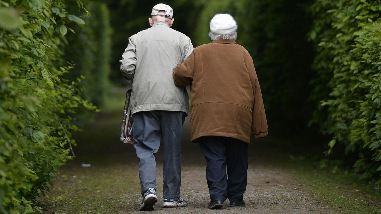 Les Jeunes PLR veulent une retraite pour tous à 66 ans.  [Martin Meissner - AP/Photo/Keystone]
