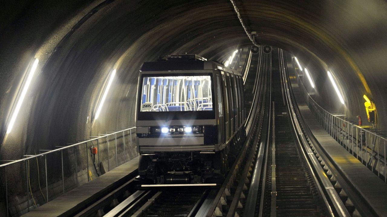 En équipant les tunnels de métro d'un système géothermique, la ville de Lausanne éviterait l'émission de 2 millions de tonnes de CO2 par an (image d'illustration). [Laurent Gilliéron - Keystone ]