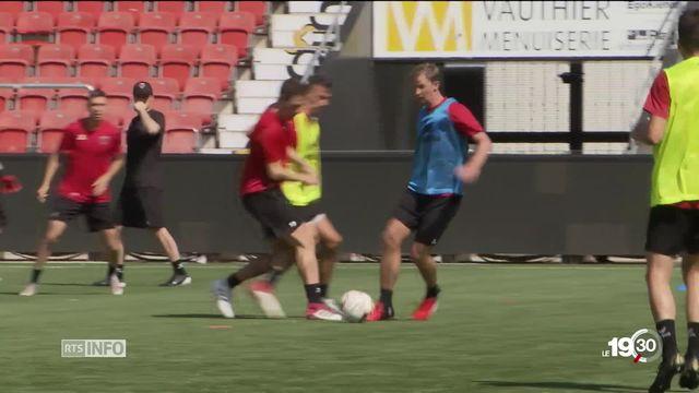Neuchâtel Xamax a repris les entraînements avec un tout nouveau staff. [RTS]