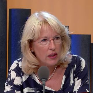 Augmenter la taxe sur l'électricité pour lutter contre le réchauffement: interview de Jacqueline de Quattro [RTS]