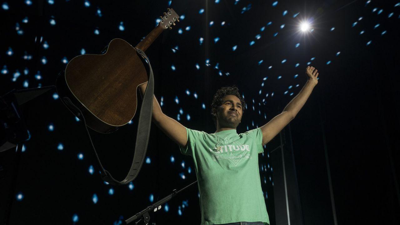 """Une scène du film """"Yesterday"""", avec Himesh Patel. [Jonathan Prime - Universal Pictures]"""