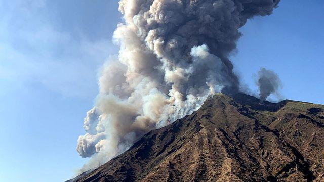Le volcan Stromboli est entré en éruption. [Mario Calabresi - Keystone ]