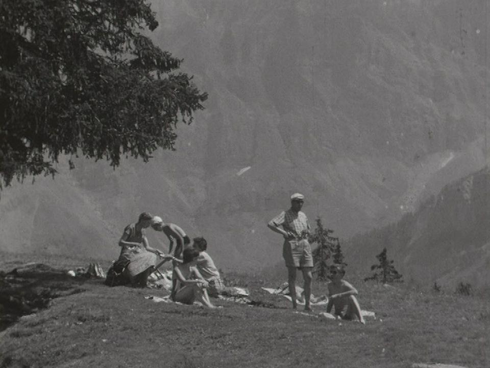 Les vacances estivales en Suisse en 1959. [RTS]