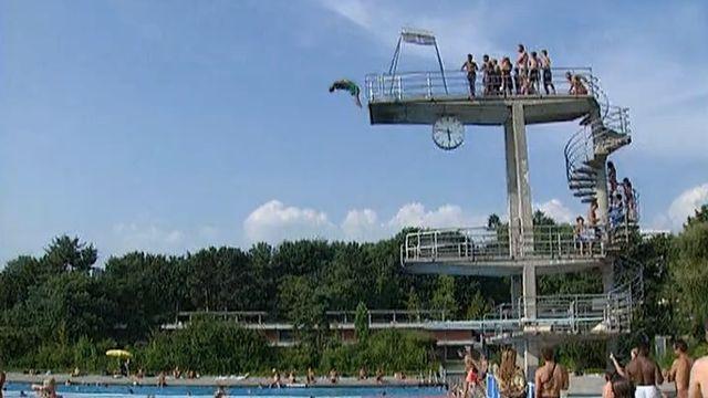 Chacun trouve à la piscine de Bellerive son coin de paradis.
