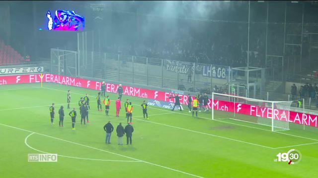 Près d'un match sur deux de Super League est accompagné de violences. Politiques et sportifs s'allient pour prendre des mesures. [RTS]