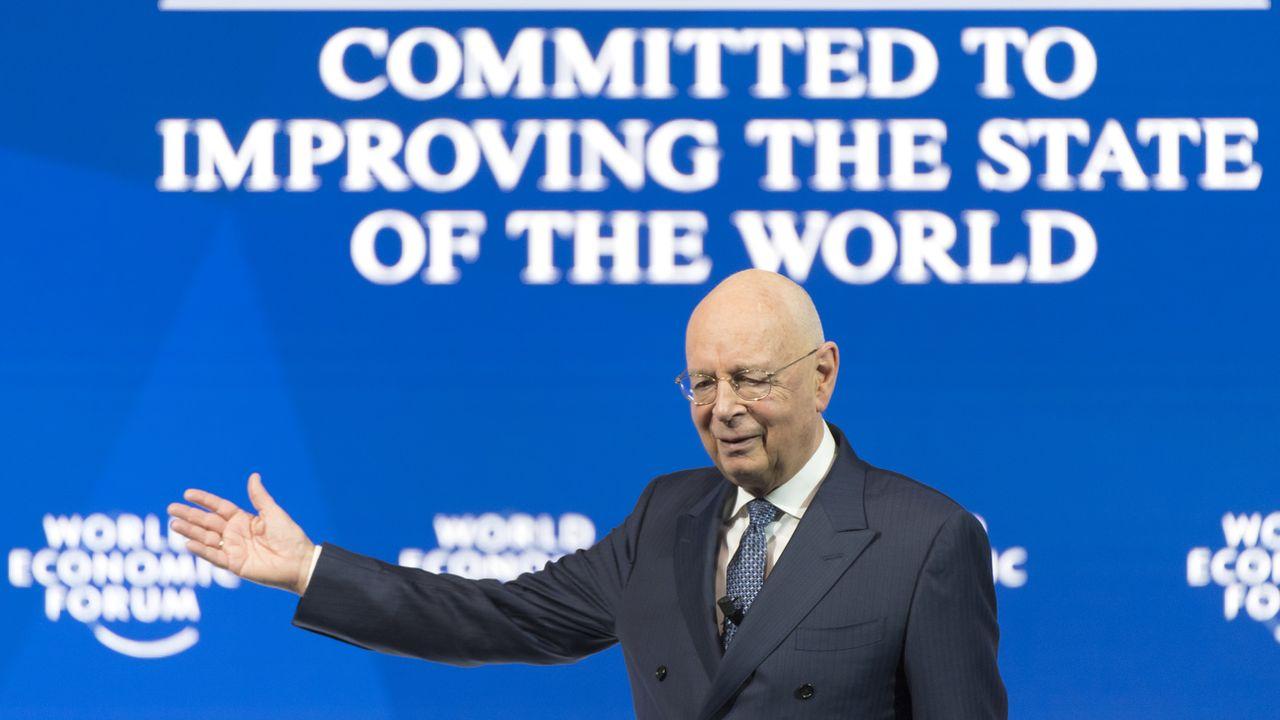 Le fondateur du WEF Klaus Schwab n'exclut pas la fin du WEF sur le site de Davos (GR). [Laurent Gilliéron  - Keystone ]