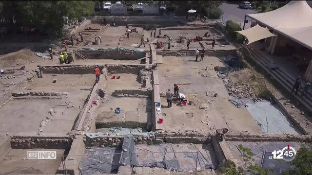 Les étudiants en archéologie de l'Université de Lausanne dévoilent les résultats des fouilles menées sur le site de l'ancienne agglomération de Lousonna. [RTS]