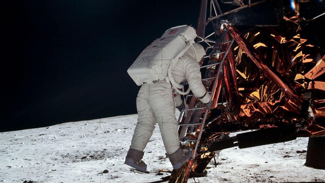 Aldrin sort du module lunaire [Nasa]