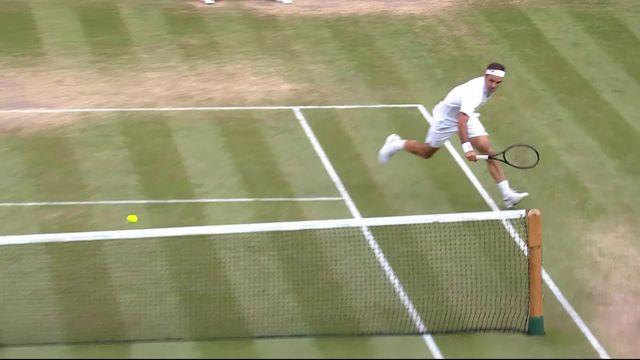 Le point du jour: Federer trompe Nadal avec un coup de poignet dont il a le secret! [RTS]