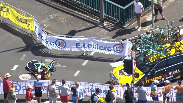 Wout van Aert a chuté à 1km de l'arrivée du chrono. [RTSsport]