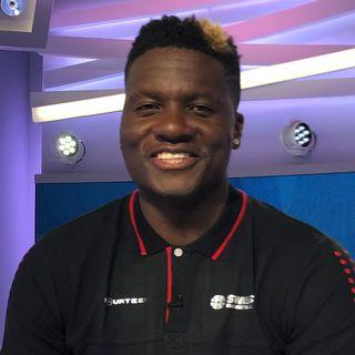 Clint Capela ne s'est pas départi de son sourire lors de Sport Dimanche. [Miguel Bao - RTS]