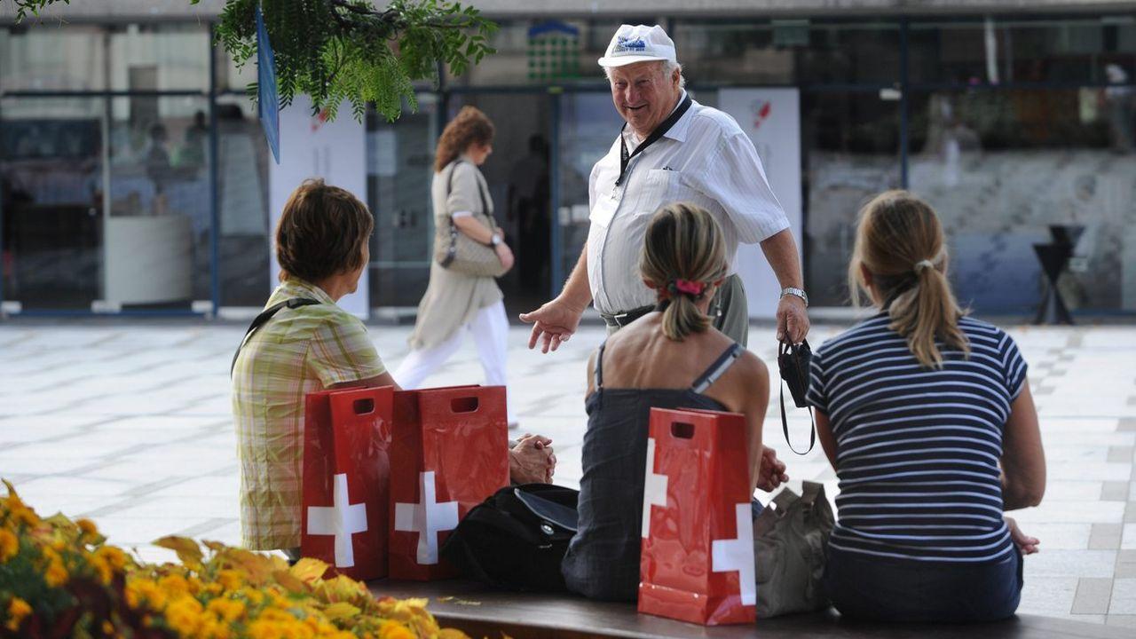 Tous les grands partis tentent de séduire les Suisses de l'étranger (image prétexte). [Davide Agosta - Ti-Press/Keystone]