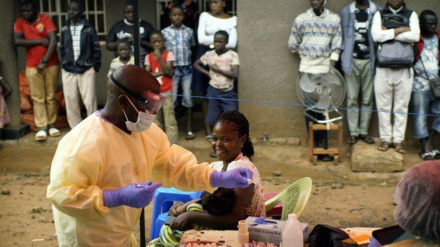 L'épidémie d'ebola est limitée à trois régions proches situées au nord de la capitale congolaise Kinshasa.  [Jerôme Delay - Keystone/AP]