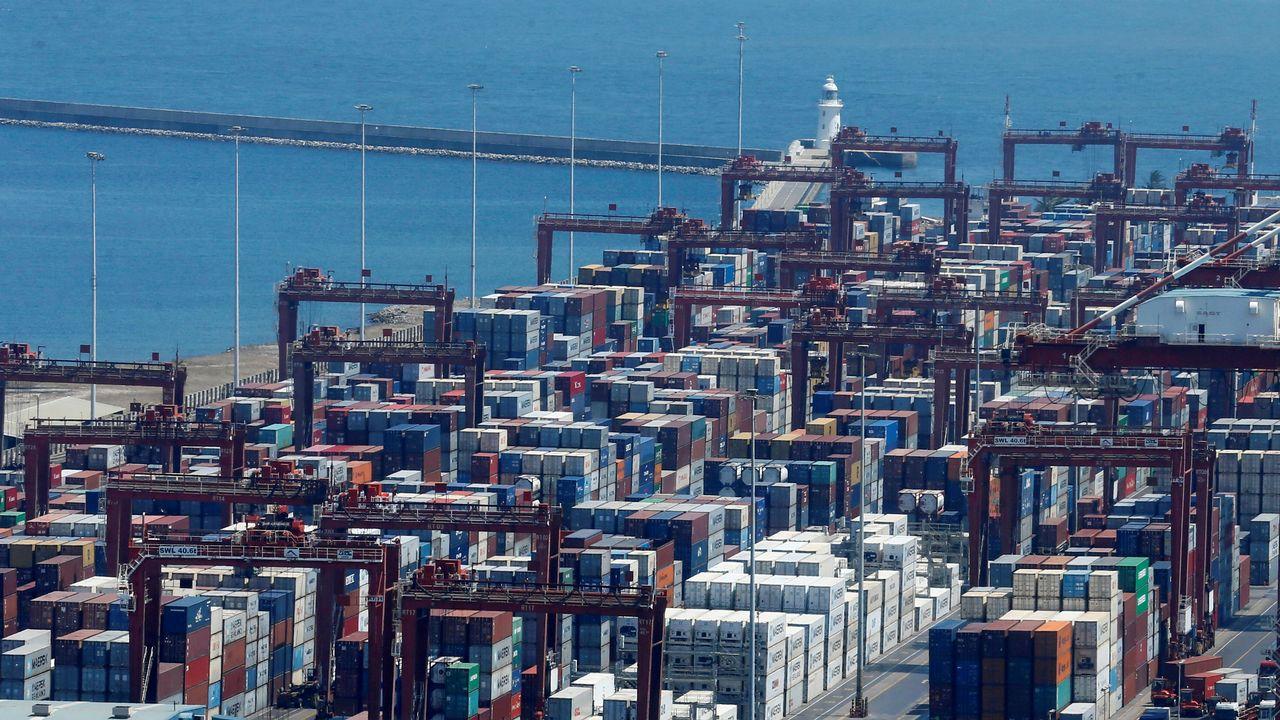 Les 111 conteneurs britanniques étaient entreposés sur le port de Colombo (image d'illustration). [Dinuka Liyanawatte - Reuters]