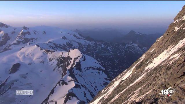 La montagne s'effondre. De plus en plus d'ascensions mythiques deviennent périlleuses, c'est le cas du Cervin. [RTS]