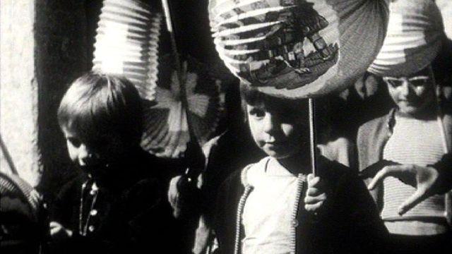 Enfants aux lampions, Suisse, années 1960. [RTS]