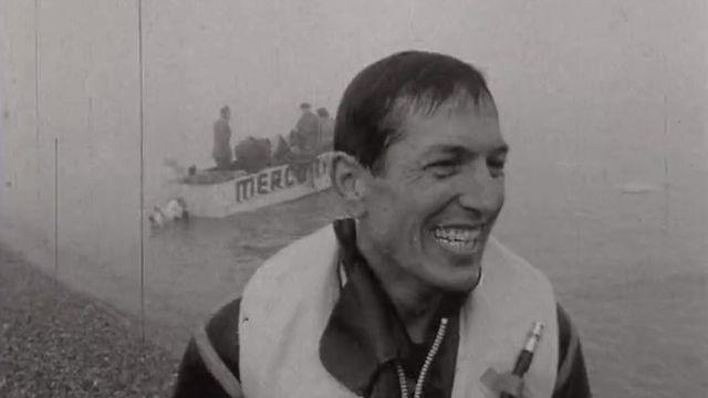 Victoire de Gil Delamare dans sa traversée de la Manche en parachute ascensionnel en 1962.