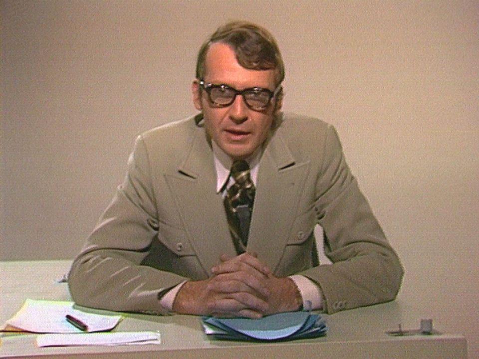 Christian Defaye présente les actualités régionales en 1973. [RTS]