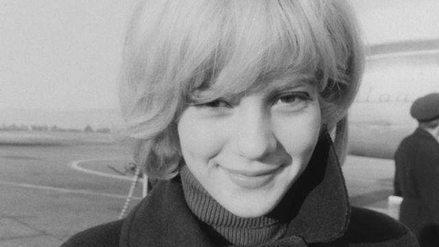 Sylvie Vartan en Suisse en 1964 [RTS]