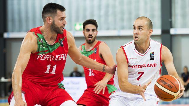 Dusan Mladjan et les Suisses ont bataillé contre le Portugal de Miguel Queiroz. Sans toutefois trouver la clé... [KEYSTONE]