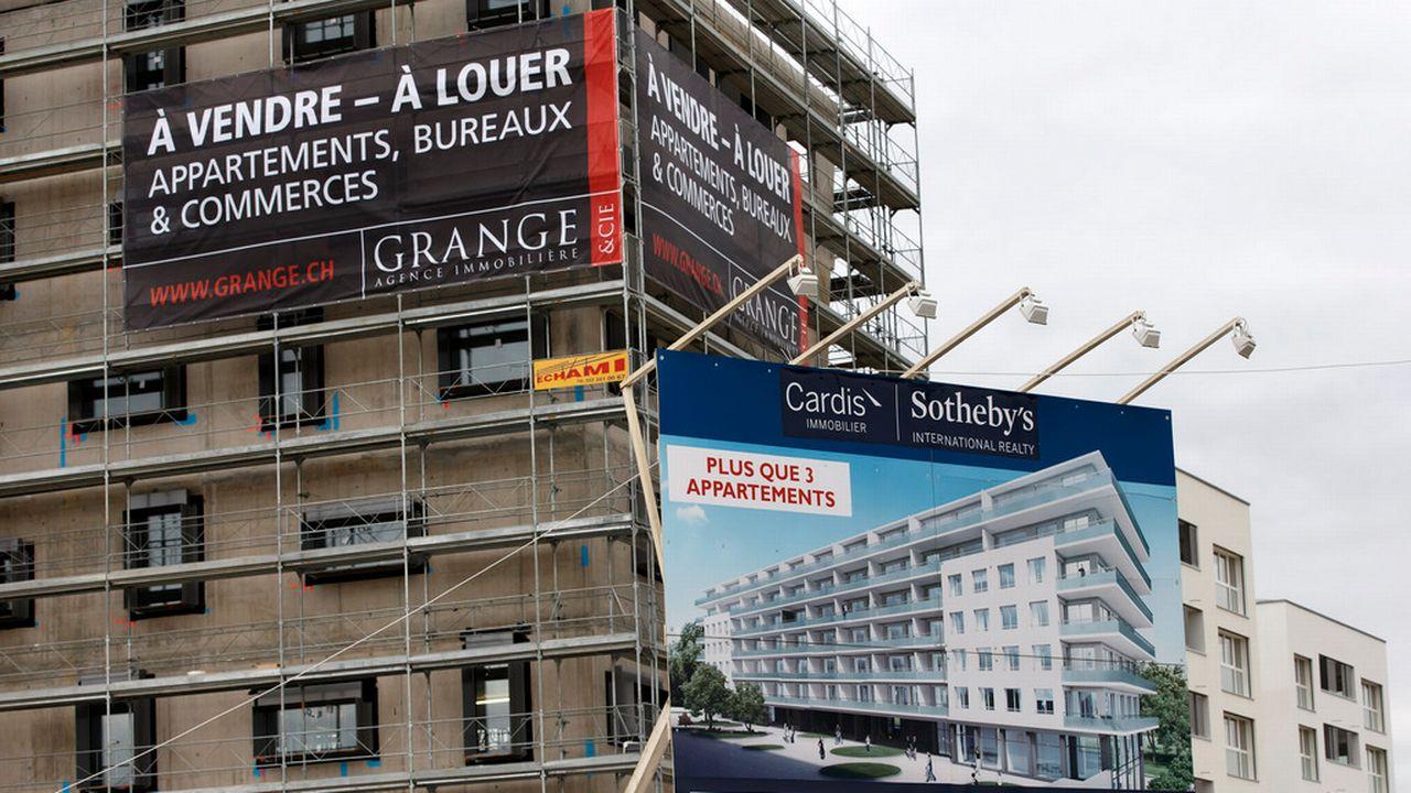 Selon une enquête, acheter un logement en Suisse devient de plus en plus difficile. [Salvatore Di Nolfi - Keystone]
