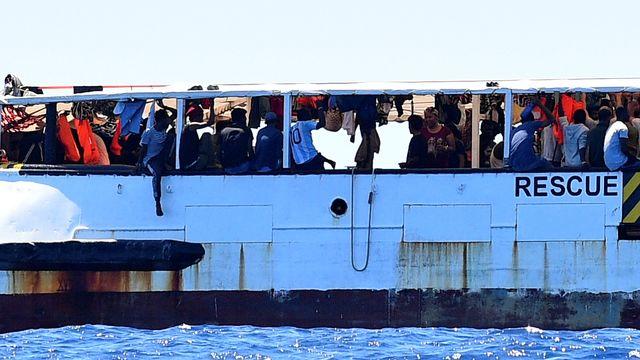 La situation est très difficile pour les migrants coincés à bord du navire humanitaire Open Arms.  [Guglielmo Mangiapane - Reuters]