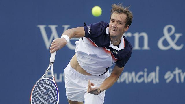 Daniil Medvedev est monté en puissance au fil du match, se permettant ainsi de battre une deuxième Novak Djokovic cette année. [KEYSTONE]