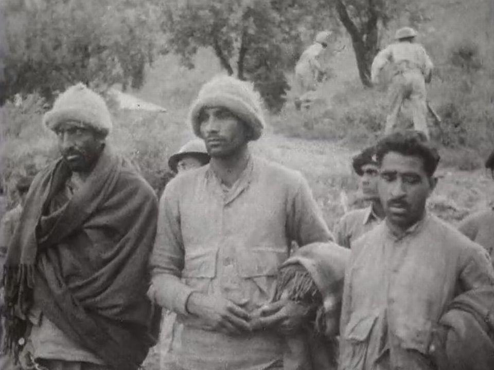 Combattants faits prisonniers par les Indiens au Cachemire, 1965. [RTS]
