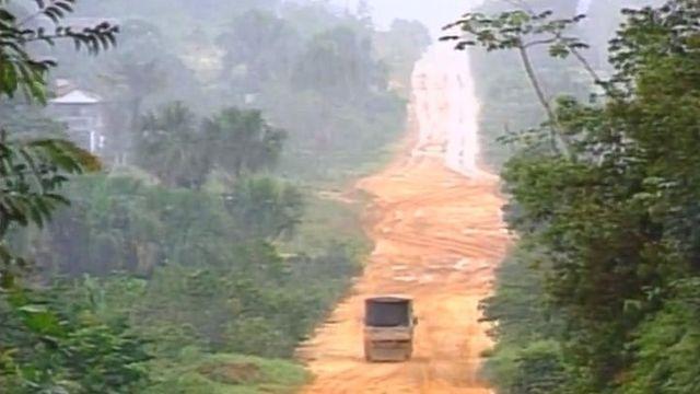 L'Amazonie, le poumon de la Terre, et la déforestation. 1994 [RTS]