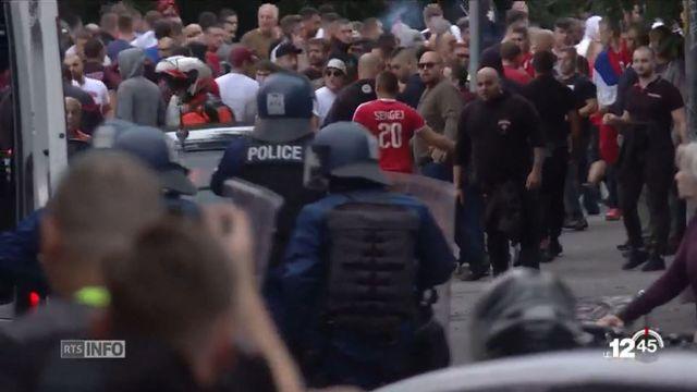 Des violences ont éclaté avant et après le match entre Young Boys et l'Étoile-Rouge de Belgrade mercredi soir à Berne. [RTS]