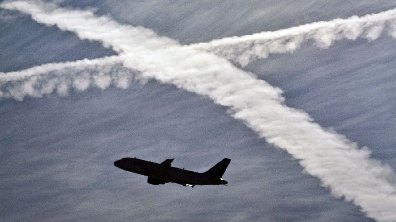 Un avion dans les airs. (Image d'illustration) [Frank Rumpenhorst - Keystone]