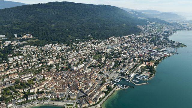 Dans le canton de Neuchâtel, 65 candidats visent une place sous la Coupole fédérale. [Alessandro Della Bella - Keystone ]