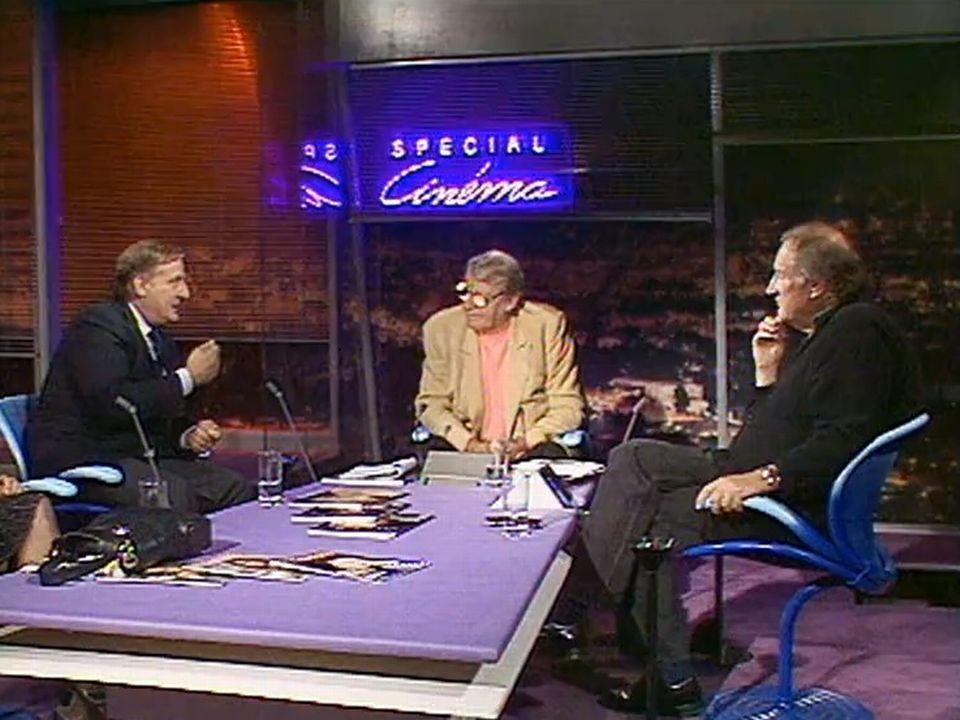 Claude Goretta et Bruno Cremer sur le plateau de Spécial cinéma en 1991. [RTS]