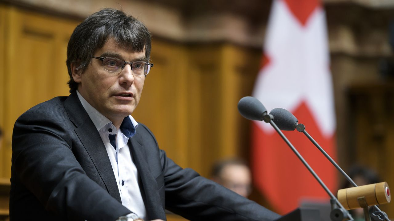 Le socialiste vaudois Roger Nordmann lors d'une intervention devant le Conseil national le 22 mars 2019. [Anthony Anex - Keystone]