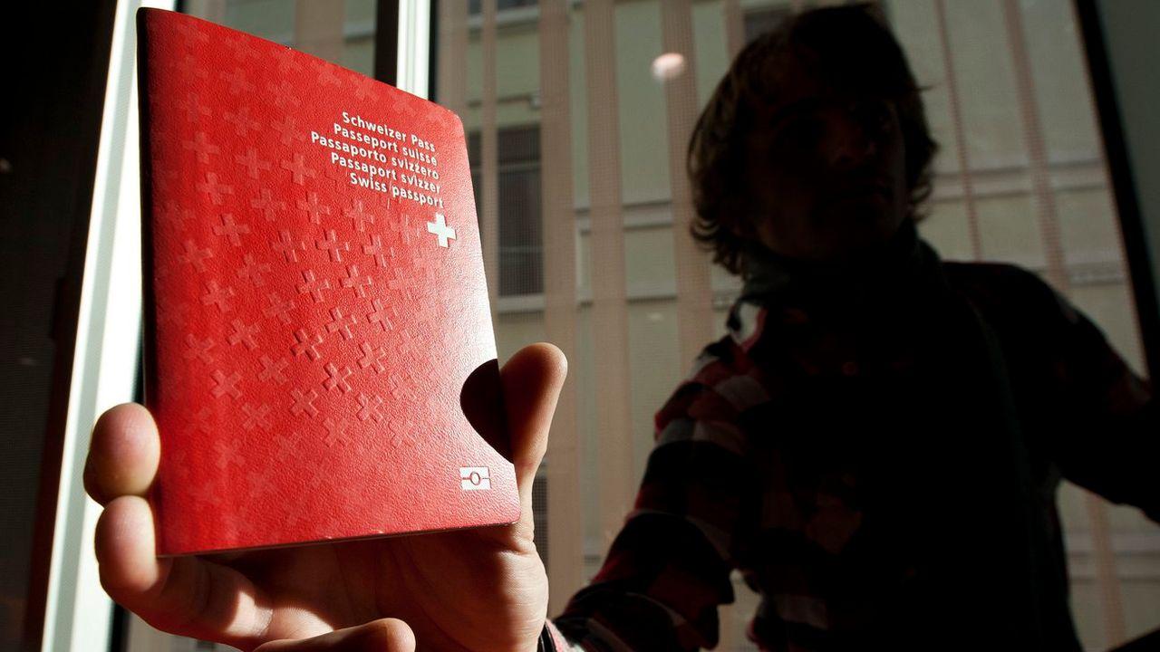 La loi permet de retirer la nationalité suisse à un double national qui porte gravement atteinte aux intérêts ou à la réputation de la Suisse et, de ce fait, compromet la sécurité du pays. [Laurent Gilliéron - Keystone]