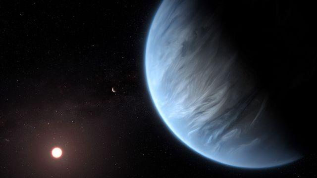 """L'exoplanète K2-18b est pour l'instant la seule """"super-Terre"""" connue qui comporte de l'eau et des températures pouvant favoriser la vie. [M. Kornmesser - ESA/Hubble]"""