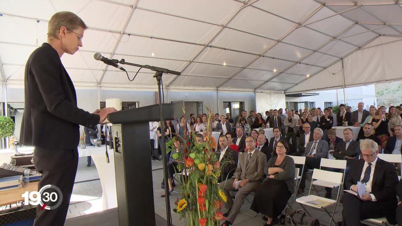 Les étudiants en médecine pourront pour la première fois poursuivre leurs études jusqu'au Master à Fribourg. [RTS]