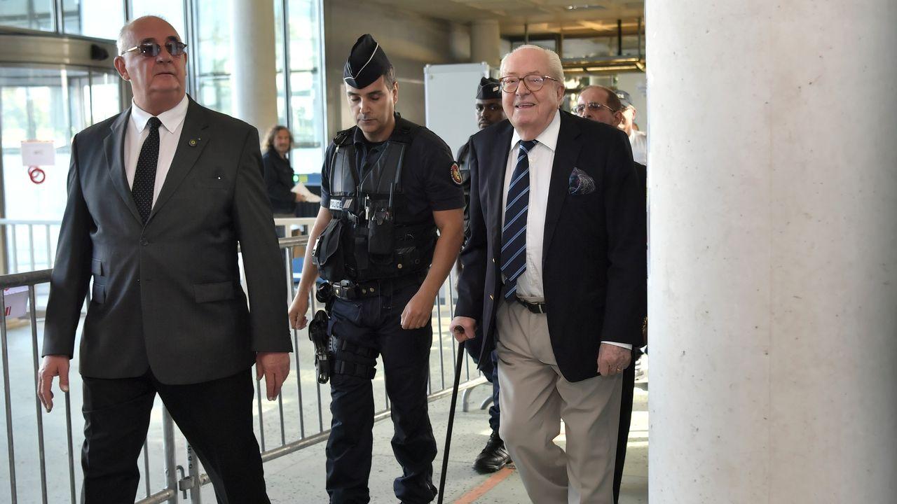 Jean-Marie Le Pen mis en examen dans une affaire d'emplois fictifs. [Philippe Lopez - AFP]