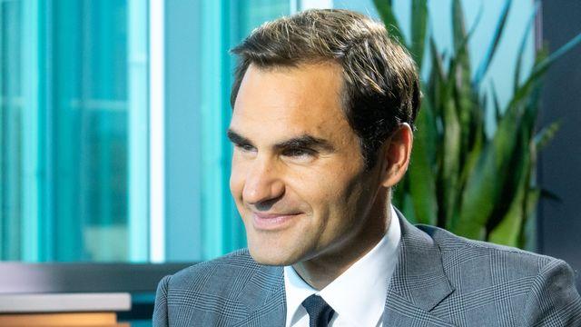 Roger Federer à Genève, interviewé par Darius Rochebin à l'occasion de la Laver Cup. [Laurent Bleuze - RTS]