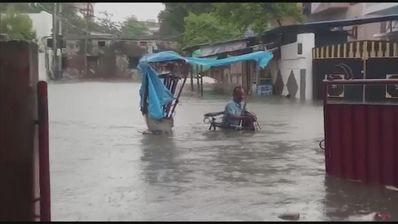 Une centaine de morts dans des inondations dans le nord de l'Inde [RTS]